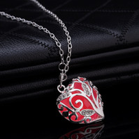 Wholesale 2017 Unique Magical Fairy Glow in the Dark Pendant Necklaces Locket Heart Luminous Men Women s Necklace high quality gift