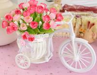 Roses en plastique pour la vente Avis-Vente en gros- Vente chaude en rotin en vine en vino en vase comprennent des fleurs artificielles de roses pour mariage décoration de maison ensemble de fleurs