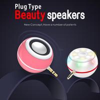 Wholesale Universal in Mini selfie fill in light speaker adjustable LED Ring Flashes Light beauty Spotlight T3 Speaker for Smartphones