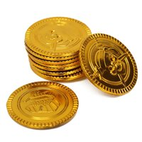 Wholesale Plastic Gold Treasure Coins Captain Pirate Party Favors Pretend Treasure Chest Kids Party Novelty Gag Toys