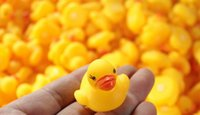 Wholesale Baby Bath Water Toy toys Sounds Mini Yellow Rubber Ducks Kids Bathe Children Swiming Beach Gifts DHL FEDEX