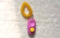 Wholesale pet training clicker cat clicker Obedience Agility Trainer Aid wrist Strap Button pet clicker good package Factory Price