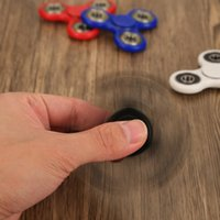 Wholesale Giggle Hands Fidget Spinner Toy Stress Reducer EDC Fidget for ADHD OCD Kids Adults Relax Ceramic Ball Desk Focus Toy Give Up Smoking