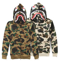 Wholesale Men s camouflage velvet sweater men and women lovers Hooded leisure jacket