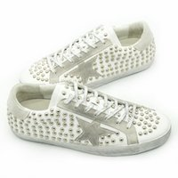 bianco shoes - Originele New Deluxe Women Men Golden Shoes Spring Autumn Rivets Bianco Genuine Leather Casual Goose Shoes Scarpe Uomo Sapatilha