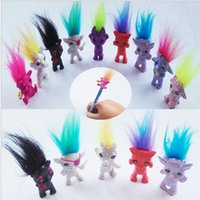 Revisiones Kids mini pencil-Venta al por mayor Mini Trolls Pencil Topper La buena suerte Trolls Doll Movie Roles Figuras de Acción Modelo PVC Toys Regalos Para Niños