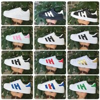 Wholesale Hot Classic Shoes Men s Shoes For Women s Shoes White Shoe Laser Dazzle see Superstar Shell Head Sneakers
