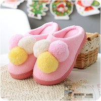 Wholesale Plush Lovely Ball Cotton Home Slippers for Women Winter Warm Wooden Floor Slippers Indoor Christmas Slippers Fit