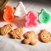 Wholesale 4Pcs set Cookie Stamp Biscuit Mold D Snowman Cookie Plunger Cutter DIY Baking Mould