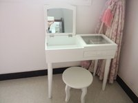 Wholesale new popular desigh conforable fashion Mini makeup vanity dressing table small cabinet dresser on window