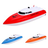 Wholesale Mini RC Boats Boy Plastic Remote Control Super Speed Boat High Performance Ship with Charger New Fashion