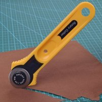 aluminum circle cutter - l New Freeshipping Yellow Adult Roller Cutter Blade Circle Cloth Round mm