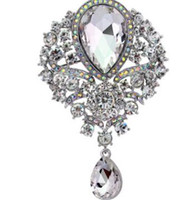 asian wedding cakes - Hot style high grade alloy diamond brooches female sell like hot cakes Europe and the United States glass pendant accessories brooch pins