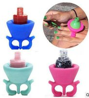 Wholesale New Silicone Finger Wearable Nail Gel Polish Bottle Holder color Creative Nail Art Tools Polish Bottle Display Stand Holder free ship
