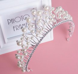 Wholesale Luxury Ivory Pearls Bridal Tiaras Hair Accessories With Rhinestone Metal Bridal Gown Women Jewelry Crown In Stock