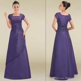 Wholesale Simple Short Sleeves Bridesmaid Dresses Lavender Satin Square A line Long Chinese Bridesmaid Gowns Vestidos Para Festa De Casamento