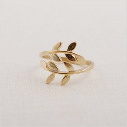 Beautiful Leaf Cluster Rings Unique Ring for Women 18K Gold Plated Ring Adjustable Design for Sale24