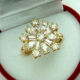 r272-Gorgeous style 18k gold filled dashing white sapphire Flower ring Sz7-8