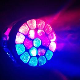 Rgbw conduit faisceau mobile de la tête en Ligne-2pcs / lot + flightcase, LED Moving Head Yeux Bee Osram 19x15W RGBW 4in1 LED Quad Moving Head lumières faisceau discothèque dj club de lumière LED