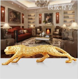 Wholesale Lucky Leopard Sculpture Car Decoration Gold Powder Sprayed Craft Furnishing Embellishment Gifts Home Decor Or Car Decoration European Style