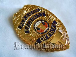 Wholesale light Empire American outstanding security officer golden metal badge big Badge