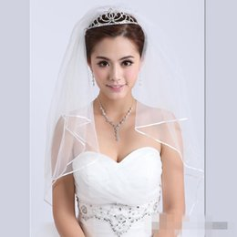 2019 White Ivory Wedding Bridal Accessories Pearls Ribbon Edge Comb Veil Bridal Veils cheap and high quality free shipping