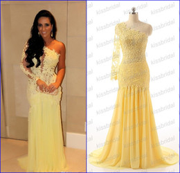 Stunning Single Long Sleeve Lace Prom Dresses One Shoulder Split Breast Appliques Sheer Back Sheath Sweep Train Chiffon Evening Gowns