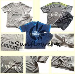 Wholesale Ronaldo White Youth Soccer Jerseys Real Madrid Home Soccer Set Cheap Kids Uniforms Custom Soccer Suits for Children