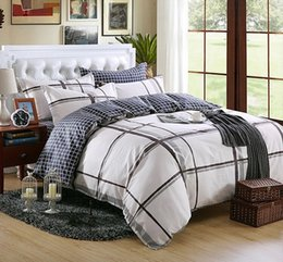 Wholesale Factory Outlet Cotton Designer Brief Bedding Set Queen Size Grey Plaid on Bed Coverlet And Plaids Quilt Cover Set Conforter Set