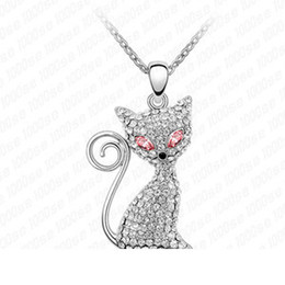 Wholesale Factory Electric eye cat Korean factory direct crystal pendant necklace pendant high end European and American fashion jewelry V