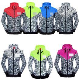 Wholesale Jogging Suits Sport NWT Woman Sport Jacket Hooded Windbreaker Breathable and Warm BLK Large Sport Windbreaker