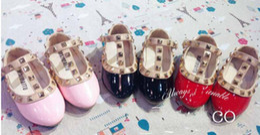 2015 Spring Elegant Rivet Princess Patent Leather Kids Low-heeled Children Shoes Girls Wedge Sandals 3 Colors