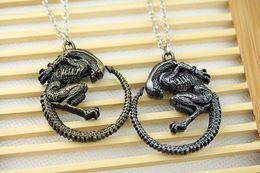 Wholesale Alien vs Predator Requiem Queen Alien Color Metal Necklace Link chain new Movie Jewelry Pendant Necklace
