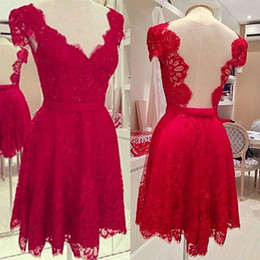 2019 Short Red Homecoming Dresses Backless Cap Sleeve V-Neck Lace Fashion Modern Design Mini Prom Gowns Custom Made H73