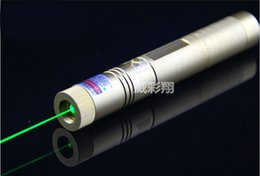 Wholesale High power Laser303 nm Green Laser Pointer Pen Adjustable Focus Burning Matchs laser light beam meters