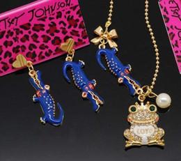 Wholesale Betsey Johnson Glazed crystal pearl frog aligator earrings drop necklace set