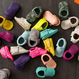 New 36-Colors Tassel Leather Baby Shoes Bling Moccasins Baby Toddler Shoes Unisex Newborn Baby Shoes First Walkers free shipping 24pair