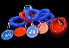 Wholesale Bracelet Number Card for Clockroom Round plastic Tag with Strings for Supermarket Service Center Deposit Center Business Sign