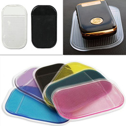 Wholesale No packing heat super suction car mat car spider non slip mats anti skid pad phone slip mat mixing automotive supplies