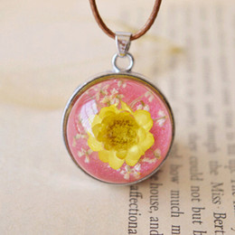 New Pink Tone Yellow Rose Flowers Round Dome Glass Pendant Necklaces Natural Pressed Real Flowers Jewellery Glass Pendant for Girls nxl036