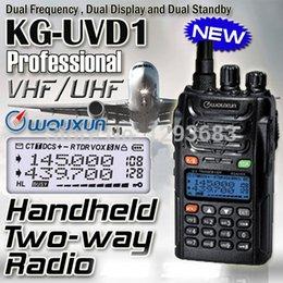 Promotion deux radios bidirectionnelles vente Gros-2pcs / lot Walkie-talkie 10 km de vente chaude bi-bande double WOUXUN d'affichage KG-UVD1P VHF UHF radio bidirectionnelle WOUXUN UVD1P
