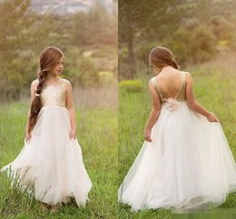 Newest Flower Girls' Dresses for Weddings Princess Style Boat Neck Backless Gold Sequins On Top Tulle A-Line Sleeveless 2019 White Dresses