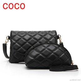 Wholesale-Fashion Embroidery Shoulder Messenger Bag PU Leather Quilted Bag Casual Cross body Bag For Women Bag