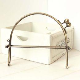 Wholesale 15 cm handbag clutch frame Antique brass metal frame kiss clasp bag purse handle parts for sewing