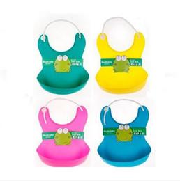 Wholesale New baby Bibs stereo waterproof bag Baby bib leakage proof plastic meal pocket soft bib