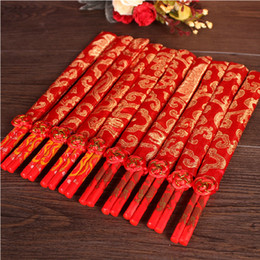Fashion Red Chinese Bamboo Wooden Wedding Chopsticks Favors With Silk Pouch