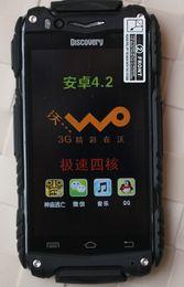 Nouveaux écrans de téléphone à vendre-nouveau V8 de découverte android 4.2.2 téléphones à écran capacitifs téléphones intelligents antichoc étanche à la poussière WIFI Double caméra 4colors DHL ZKT