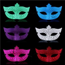 Wholesale New Cheap Masquerade Ball Party Mask Halloween Mask Venetian Mask Little Miss Crack Half Mask Halloween Christmas Mask Party Mask