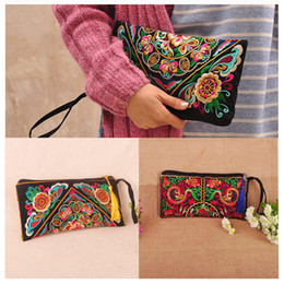 Wholesale National Style Women Clutch Bag Contrast Color Embroidery Handbag Wrist Strap Elegant Small Mini Mobile Phone Bag Wallet B0004
