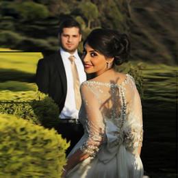 Wholesale Hot Sale Sheer Robes de mariée de luxe Ruffles Cheap Button Lace avec Handmade Unique Best Qualité Floor Long Longueur Vestidos Dentelle Wedding Gown